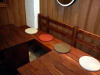 自作のテーブル+ベンチ
