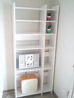 既製品の飾り棚に側板をプラスしてDIY