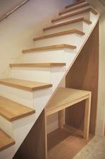 階段下収納DIY作品:空間内の様子斜めから