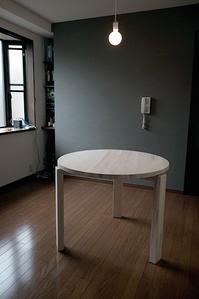 パイン集成材の丸テーブルのDIY作品