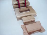 木材加工によるレザークラフト用の木型