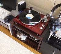 レコードプレーヤーを収納したオーディオラックDIY完成品