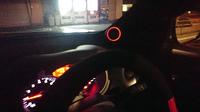 車に装着、LED点灯したところ。