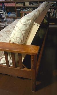 DIYで補修したソファーベッド
