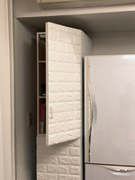 部屋の設備の凸部にぴったりの自作のキッチン収納棚