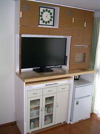 引き出しを増設し、完成したAV多機能収納棚DIY作品
