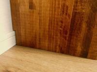 壁ピッタリに取り付けた壁面収納本棚