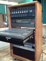 スタジオ音響機材の収納ラック、DIY後