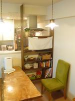 キッチンの木製棚