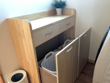 自作のバスルーム収納、脱衣カゴの入った引き出し